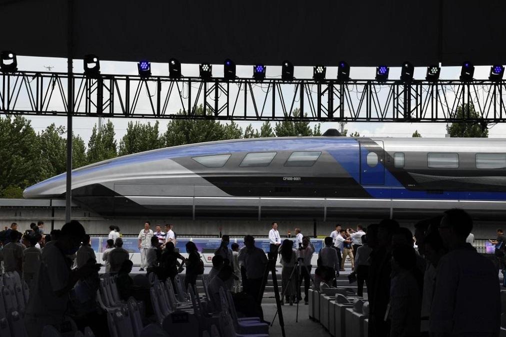 قطار مغناطیسی چینی با سرعت 600 کیلومتر در ساعت [تماشا کنید]