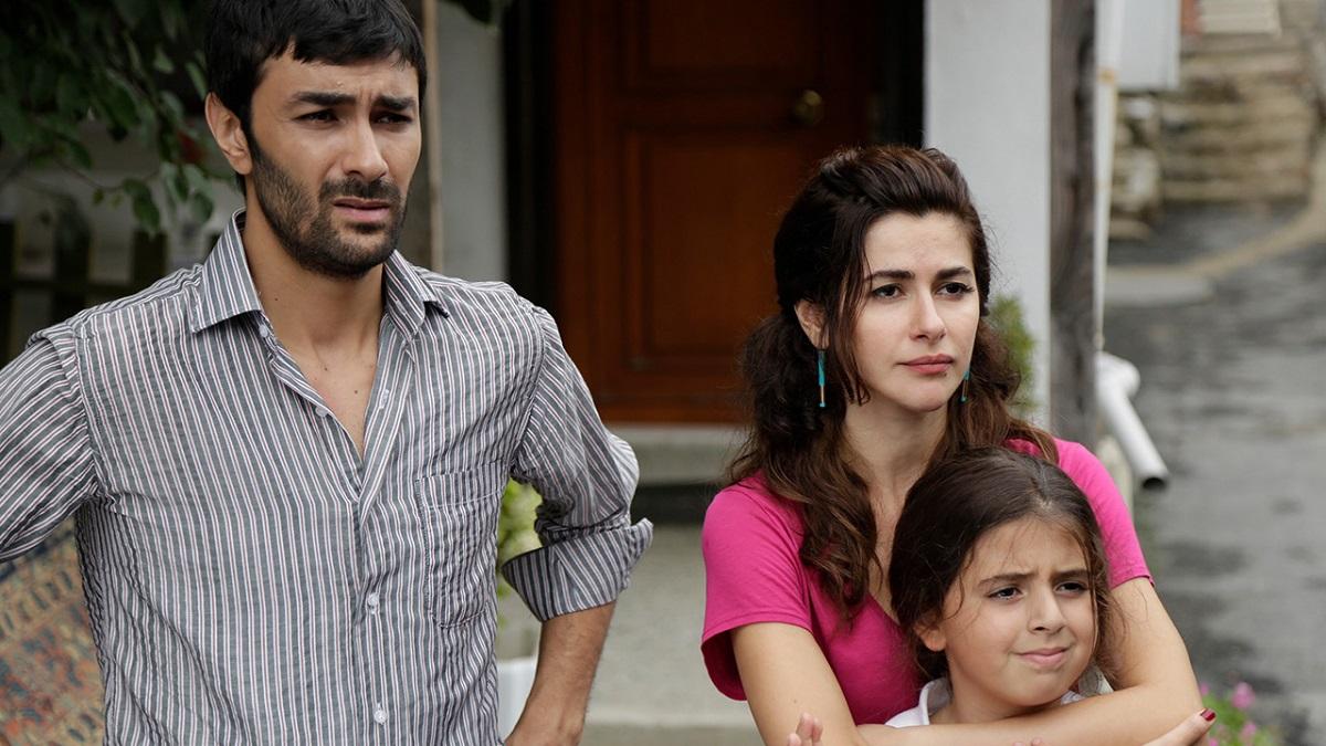 دانلود رایگان فصل اول سریال حکایت ما (Bizim Hikaye)