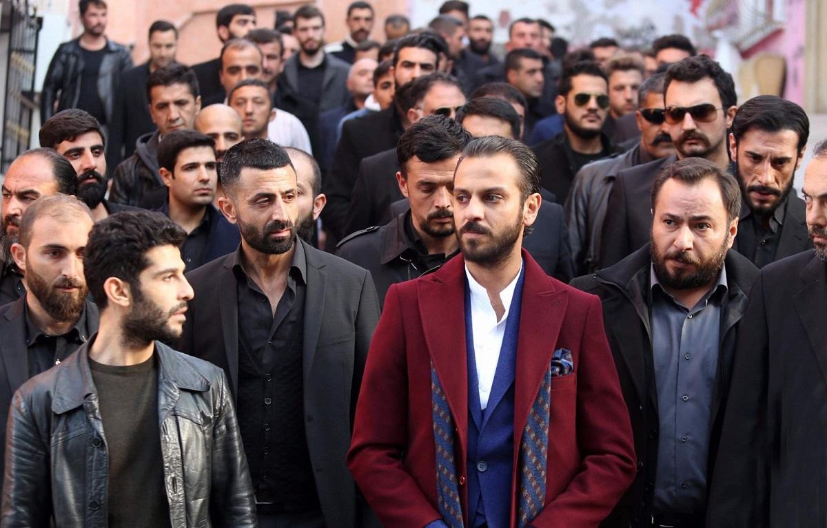 دانلود رایگان قسمت ۴۱۹ سریال گودال (Çukur) دوبله فارسی
