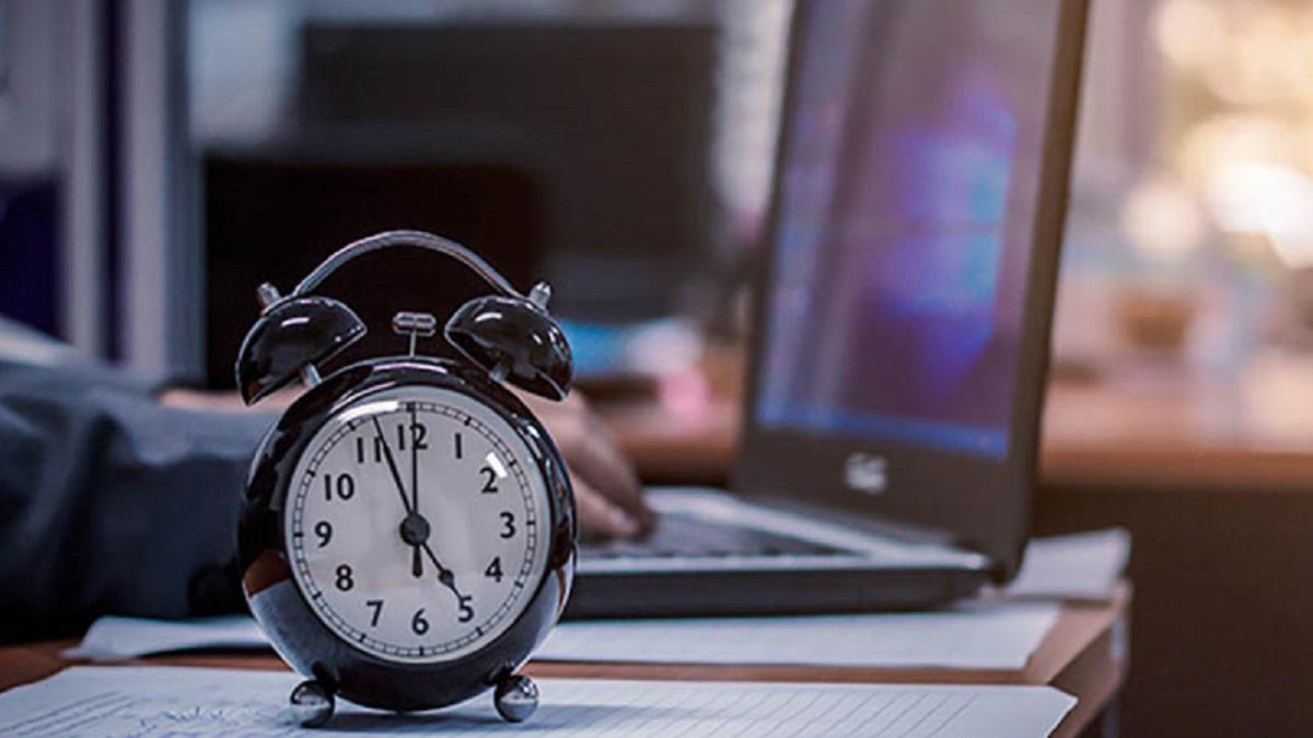 تغییر ساعت شهریور 1400 چگونه است؟