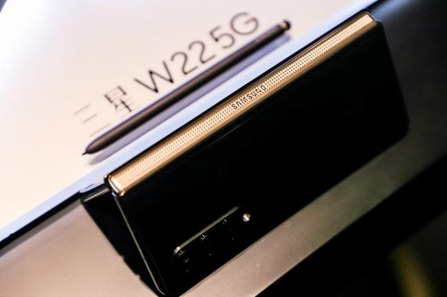 گلکسی W22 5G رسما معرفی شد